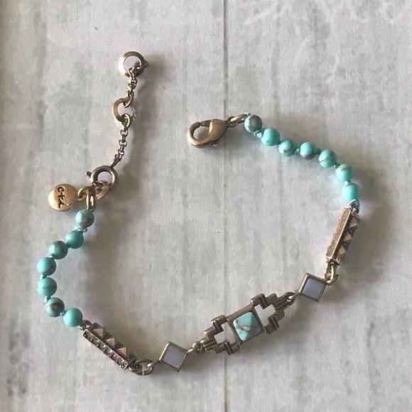 Chloe + Isabel Jewelry - Stepwells beaded bracelet